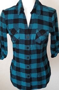 Guess button down top